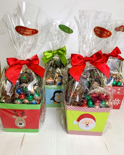 Picture of Small Square Christmas Basket